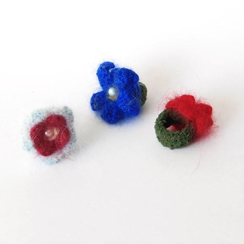 Fingerringe aus Angora-Wolle von Birgit Palm
