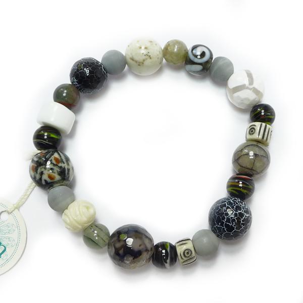 Perlenarmband schwarz-grau-weiß von Djian