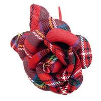 Rose zum Anstecken im Schottenkaro