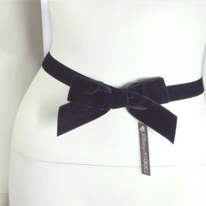 Schleifengürtel aus Samt schwarz von Lieblingsstükke