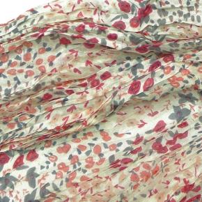 Djian Seidenschal Streublumen in grau-rosenholz