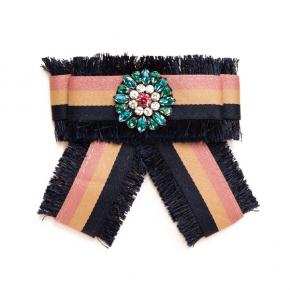 Lumisha Textilschleife rose gestreift zum Anstecken mit grünem Schmuckstein