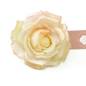 Tee-Rose zum Anstecken von Lieblingsstükke by Martina Wodke
