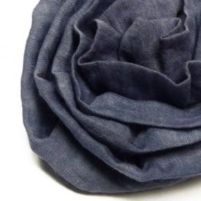 Seidenrose zum Anstecken aus Pongeeseide in blau
