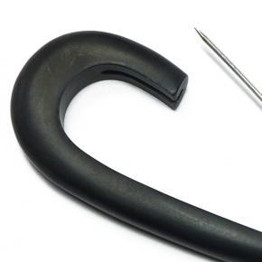 Horn-Anstecknadel schwarz von Lieblingsstükke