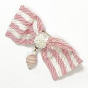 Rips-Schleife zum Anstecken in rose-weiß