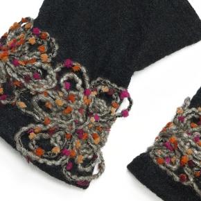 Filzstulpen Wollblume schwarz grau von Lieblingsstükke