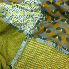 Ahmaddy Seiden-Baumwolltuch Quadrato Patch gold-blau