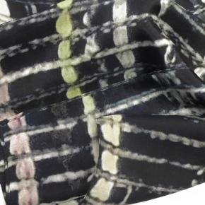 Ahmaddy Seidenschal schwarzweiß- multi