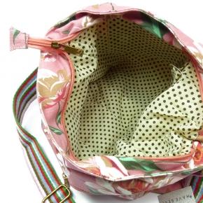 Schulter-Tasche von Huiskamergeluk aus Canvas in Wild Rose beige