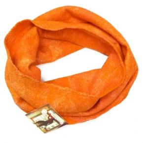 Happy Loop in orange gefilzt aus Seide mit Wolle