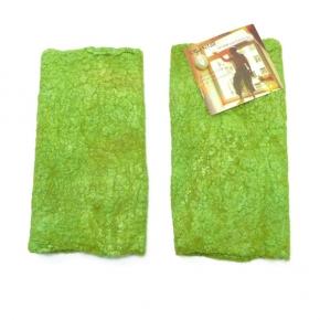 """""""Happy Stulpen"""" aus Filz mit Seide und Wolle frisches grün"""