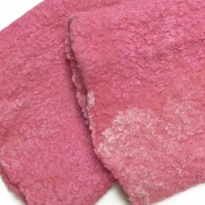 """""""Happy Stulpen"""" aus Filz mit Seide und Wolle pink"""
